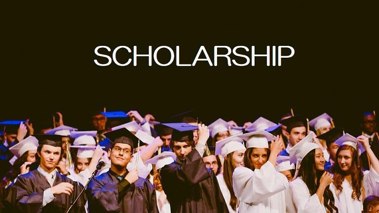 年間給付額最大390万が4年間受けれる海外大学留学支援とは?